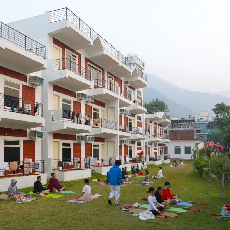 23-yoga-vini-teacher-training-rishikesh-800x800